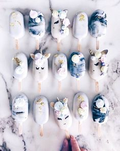 I'm A Self-Taught Baker Who Makes Cake Popsicles From Leftover Cake Scraps - Cakes - Macaron Unicorn Macarons, Cute Baking, Unicorn Foods, Aesthetic Food, Savoury Cake, Cute Food, Popsicles, Food Art, Chocolates