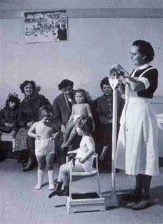 1901 Eerste consultatiebureau in Den Haag Jeugdgezondheidszorg: van medische preventie tot opvoedingsadvies en risicodetectie