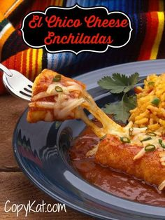 Looking for the best Tex Mex cheese enchiladas with red sauce? A simple homemade sauce makes these El Chico cheese enchiladas beyond incredible. Make them dinner with this easy copycat recipe and video. Mexican Dishes, Mexican Food Recipes, Dinner Recipes, Mexican Cooking, Dinner Ideas, Vegetarian Sauces, Cheese Enchiladas, Chicken Enchiladas, Copykat Recipes