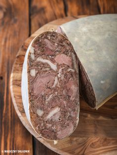 Kielbasa, Sausage, Food And Drink, Bread, Living Room, Hams, Recipies, Sausages, Brot