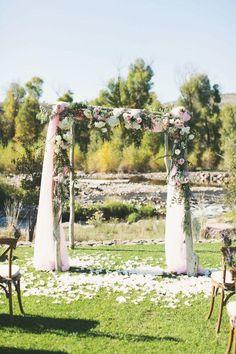 Pink Inspiration: Dreamy Utah Wedding at Victory Ranch - MODwedding