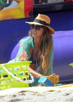 Jessica Alba Straw Hat 38ef25dd4ece