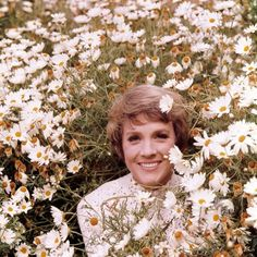 Julie Andrews and daisies