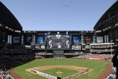 Chase Field - This image must be a lie...I've never seen the roof open.