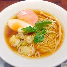 ラァメン Ginger Noodle Spot角栄/morimi32 | SnapDish[スナップディッシュ] (ID:0DSava) Japanese Noodles, Japanese Ramen, Japanese Dishes, Japanese Food, Ramen Soup, Noodle Soup, Sports Food, Asian Recipes, Recipes