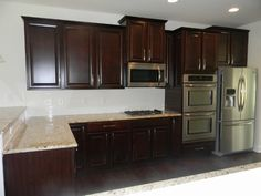 ... Tahoe Cherry Square Java Cabinets. New Venetian Gold Granite