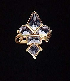 Gold ring with stones in the shape of a fleur-de-lys, 16th century