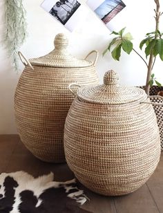 Set of 2 Natural African Baskets / African Wicker Laundry Baskets Woven Laundry Basket, Laundry Basket With Lid, Wicker Storage Baskets, Storage Baskets With Lids, African Interior, African Home Decor, Home Decor Baskets, Basket Decoration, Large Basket With Lid