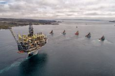 Photos: Giant Platform Towed to Hebron Field Offshore Newfoundland and Labrador – gCaptain Crude Oil Futures, Oil Rig Jobs, Oil Platform, Government Of Canada, Newfoundland And Labrador, Newfoundland Canada, Offshore Wind, Oil Refinery, Drilling Rig