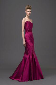 Alberta Ferretti, Spring 2015 Bridal Photo: Courtesy of Alberta Feretti Beautiful Gowns, Beautiful Outfits, Elegant Dresses, Pretty Dresses, Modelista, Dress Vestidos, Festa Party, 2015 Wedding Dresses, Gala Dresses