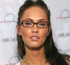 Megan Fox: | 21 celebridades que demuestran que las gafas hacen que las mujeres se vean absolutamente guapísimas