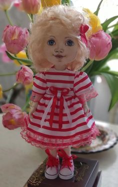 This doll made of textile materials with water-resistant acrylic painted face. Her head moves, she can stand and sit. Handmade Valentine Gifts, Doll Face Paint, Ballerina Doll, Face Painting Designs, Tiny Dolls, Lol Dolls, Seed Bead Jewelry, Custom Dolls, Blythe Dolls