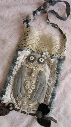 by posiesonparade...love this owl purse