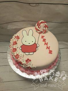 Nijntje verjaardagstaart Miffy birthday cake Baby Birthday, Birthday Ideas, Birthday Cake, Baby Cakes, Cupcake Cakes, Miffy Cake, Gender Reveal, First Birthdays, Bunnies