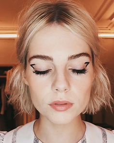 Makeup Hacks Online – Hair and beauty tips, tricks and tutorials Makeup Art, Beauty Makeup, Eye Makeup, Hair Makeup, Hair Beauty, Baddie Make-up, Make Up Inspiration, Bob Hairstyles For Fine Hair, Corte Y Color