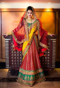 Real Brides Real Style. Bengali bride Rajeshwari talks about her looks for the Ashirbaad, Sangeet and Wedding ceremony  http://www.weddingsutra.com/real_wed/realbrides/realbride_rajeshwari.asp