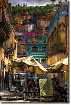 Colorful city, colorful shade.    Guanajuato (by Jcarlossoto)