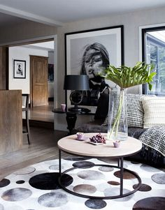 Tip: Large scale artwork gives a focal point to a room that's missing one.