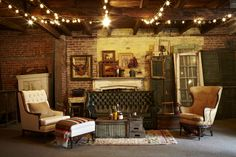 Let Southern Jeweled Vintage Rentals design a lounge area for your wedding!