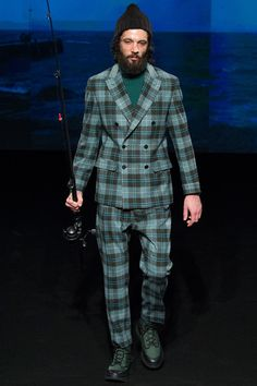 See the complete Umit Benan Fall 2015 Menswear collection.