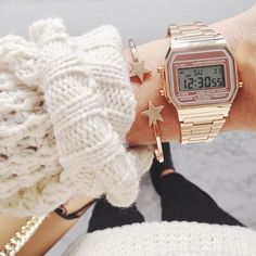 cheap watches for womens Casio Vintage Watch, Casio Watch, Vintage Watches, Haley Modern Family, Vintage Shoes, Vintage Jewelry, Casio Gold, Discount Watches, Handbags Michael Kors