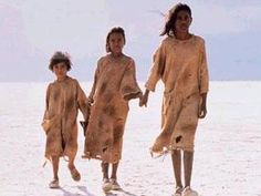 3 girl's heart wrenching journey down the rabbit proof fence...