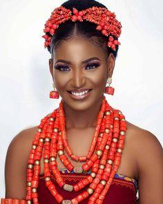 9 Bridal Beauty Looks of 2018 That Gave Us Major Inspo Moments African Wedding Attire, African Attire, African Dress, African Traditional Wedding Dress, Traditional Wedding Attire, African Beauty, African Fashion, Ankara Fashion, Igbo Bride