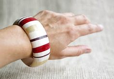 Christmas gift ideas. How to make a bracelet. Easy and simple DIY project.