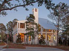 融會著多元文化的美式風格,在佛羅里達洲的度假房舍有了精彩的演繹。民俗的裝飾、原木的況味、簡約的古典⋯⋯時而洋溢森林木屋的自然氣、時而看見波希米亞般的浪漫,卻也有著亞洲圖騰的印記,多元文化的空間表情,也是美式風格最動人的一面,是吧?! via Geoff Chick & Associates