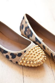 Leopard gold studded tip flats