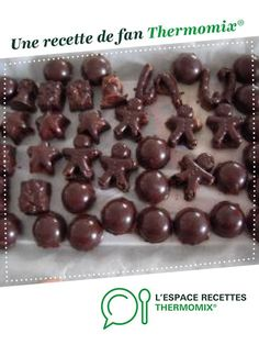 Homemade crispy chocolates by Mélemille. A fan recipe to find in the Sweet pastries category on www.espace-recett …, of Thermomix®. Chocolate Bonbon, Chocolate Pancakes, Chocolate Desserts, Low Fat Cake, Kreative Desserts, Cooking Pumpkin, Cooking Ham, Thermomix Desserts, Dessert