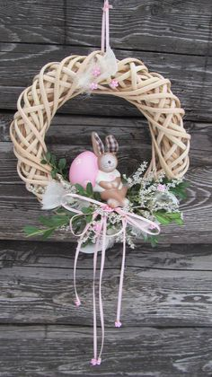Easter Egg Crafts, Easter Projects, Easter Wreaths, Christmas Wreaths, Christmas Decorations, Wreath Crafts, Diy Wreath, Easter Templates, Valentine Bouquet