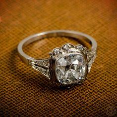Vintage Engagement Ring - 2.59cts diamond in Platinum Setting - Estate Diamond Jewelry by EstateDiamondJewelry on Etsy https://www.etsy.com/listing/183128980/vintage-engagement-ring-259cts-diamond