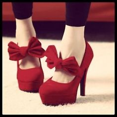 Want those pumps too. #Red #Pumps #Pretty #Fancy #Beautiful #HighHeels (Taken with instagram)
