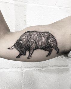 30 animals tattoos ideas you will love art тату, мехенди Bull Tattoos, Love Tattoos, Body Art Tattoos, Tattoo Drawings, Tatoos, Animal Paintings, Art Paintings, Blackwork, Bison Tattoo
