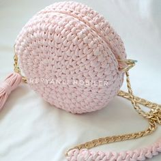 Best 12 Today I'm showing you how to crochet for absolute beginners. A detailed step-by-step tutorial on how to crochet – SkillOfKing. Crochet Doily Rug, Free Crochet Bag, Love Crochet, Single Crochet, Crochet Stitches, Knit Crochet, Crochet Patterns, Crochet Backpack, Round Bag