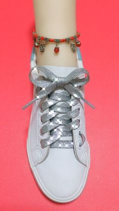 How to tie shoelaces Ways To Tie Shoelaces, Sagging Face, Face Wrinkles, Cool Art Drawings, Face Skin, Muscle, Exercise, Ideas, Style