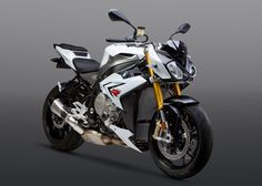 Infographic Overview 2016 BMW S1000R