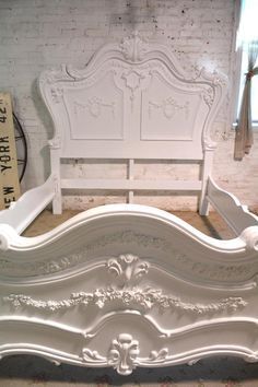 Shabby Chic Bedrooms, Shabby Chic Homes, Shabby Chic Furniture, Shabby Chic Decor, Painted Cottage, Shabby Cottage, Painted Beds, Painted Furniture, Furniture Design