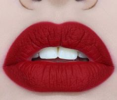 Achieve Perfect Bowed Lips - blushforcover.com