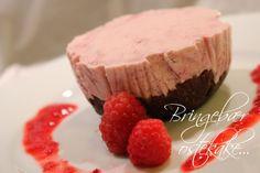 Bringebær-Ostekake på sjokoladebunn... Brownie Cake, Brownies, Raw Cake, Sugar Cookies, Sugar Free, Muffins, Cheesecake, Gluten Free, Food