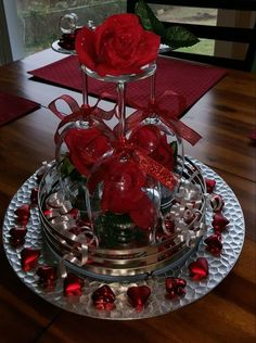 Red white and bling wedding reception ideas – Salvabrani – - Wedding Reception Ideas Wedding Table Centerpieces, Christmas Centerpieces, Wedding Decorations, Christmas Decorations, Table Decorations, Centerpiece Ideas, Wine Glass Centerpieces, Shower Centerpieces, Cheap Christmas