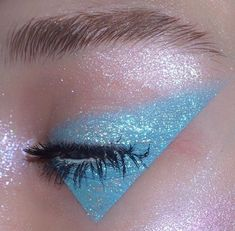 Gorgeous Makeup: Tips and Tricks With Eye Makeup and Eyeshadow – Makeup Design Ideas Makeup Goals, Makeup Inspo, Makeup Inspiration, Makeup Ideas, Makeup Tips, Eye Makeup Glitter, Eyeshadow Makeup, Blue Eyeshadow, Eyeshadow Palette