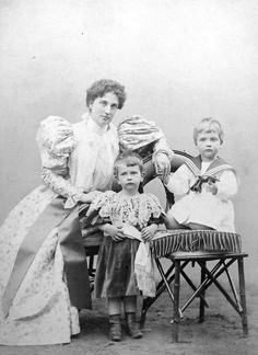 Archduchess Luise of Austria-Tuscany. (1870–1947) Crown Princess of Saxony with her eldest sons.