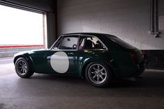 Sebring MGB GT - Page 4 - Classic Cars and Yesterday's Heroes - PistonHeads - Photo Sharing by ThumbSnap British Sports Cars, Classic Sports Cars, Classic Cars, British Car, Sports Car Racing, Sport Cars, Mg Cars, Classic Motors, Modified Cars