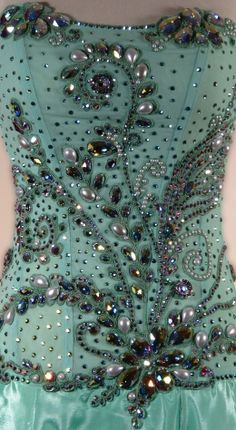 stoning design / love ice skating and their costumes. Ballroom Gowns, Ballroom Costumes, Ballet Costumes, Ballroom Dance, Dance Costumes, Ballroom Design, Western Show Clothes, Ballet Russe, Figure Skating Dresses