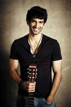 View Photos of Bollywood Actor Aditya Roy Kapoor. Indian Celebrities, Bollywood Celebrities, Bollywood Stars, Bollywood Fashion, Bollywood Wallpaper, Roy Kapoor, Hot Asian Men, Indian Star, Le Male