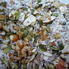 S - Good Morning Trail Mix Muesli ~ S - 1 cup unsweetened dried shredded coconut 1 cup hulled raw pumpkin seeds 1 cup whole almonds 1/2 cup hulled raw sunflower seeds 1/2 cup walnuts stevia to taste strawberries