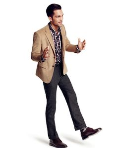 Business Casual Outfits for Men. Is tomorrow your first day to office? You must be up all night thinking about how to style your business casual attire. What Is Business Casual, Business Casual Jacket, Business Casual Attire For Men, Trajes Business Casual, Men's Business Outfits, Business Casual Dresses, Men Casual, Smart Casual, Casual Wear