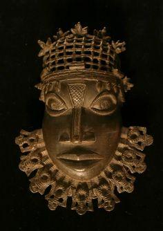 Dolphin Teeth, Art Tribal, Mexican Skulls, My Heritage, British Museum, African Art, Dna, Ethnic, Lion Sculpture